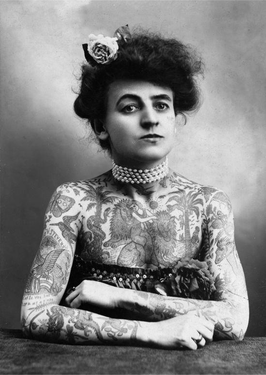Tattoo am Unterschenkel
